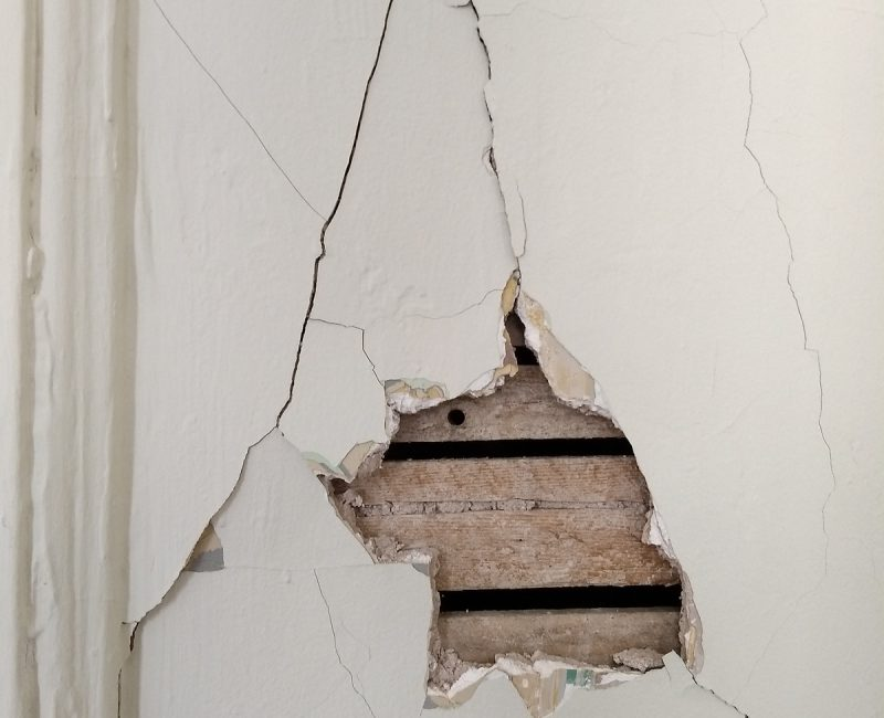 Stucco Contractor Santa Fe - How to Tell if Drywall Needs to be Replaced? - Hole in the drywall